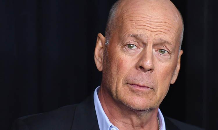 Sacan a Bruce Willis de una tienda por no usar cubrebocas