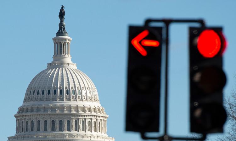 """Cierran Capitolio debido a una """"amenaza de seguridad externa"""" en Washington"""