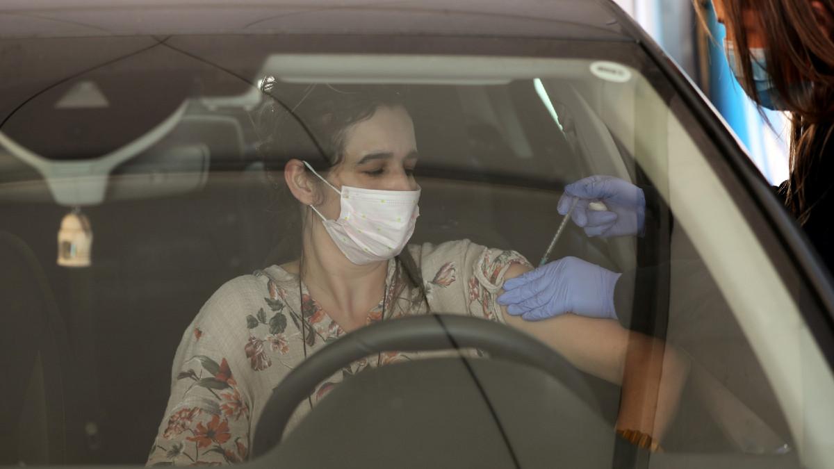 Drive in: estrategia rápida y segura para vacunar contra el COVID-19 en Israel
