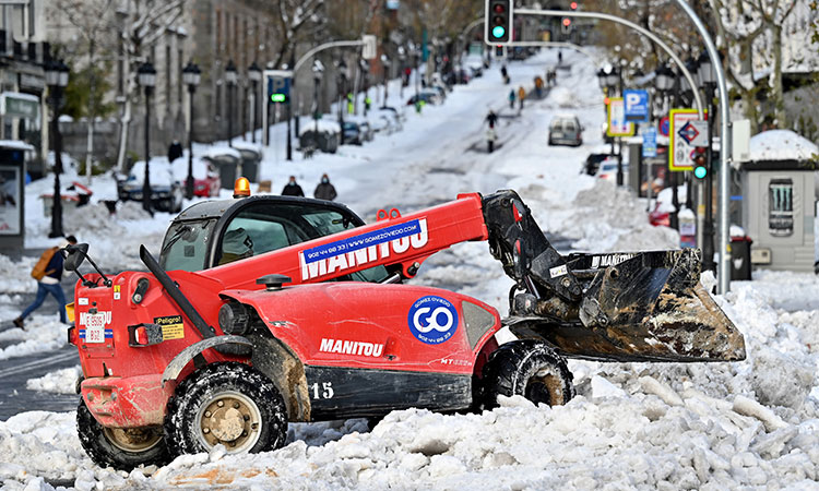España: Carrera contrarreloj por nieve antes de ola de frío