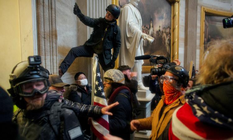 Invasión al Capitolio: 5 fallas de seguridad que permitieron los disturbios