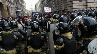 Manifestaciones en Rusia piden liberación del opositor de Putin
