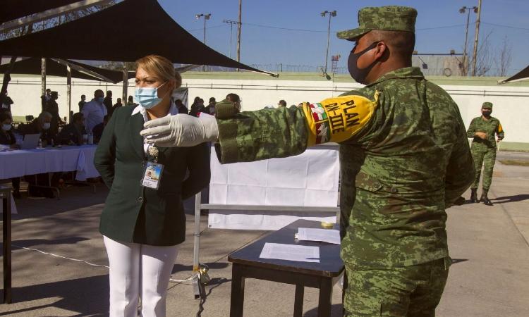 Arranca vacunación masiva en México: Así llegaron vacunas a los estados