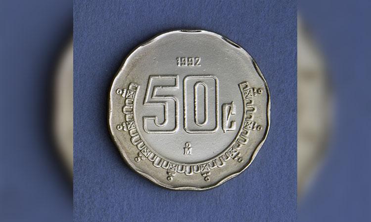 """Monedas de 50 centavos con """"error"""" se venden hasta en 3 mil"""