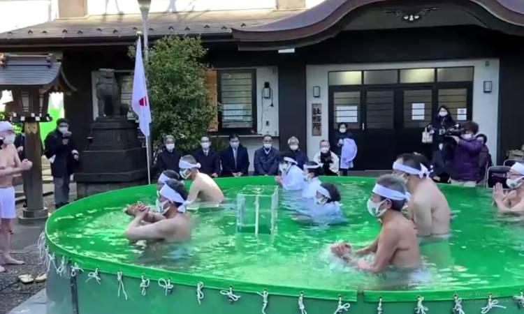 Tokio COVID-19 ritual