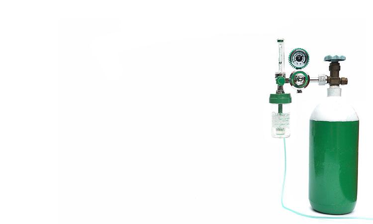 Salud explica por qué no se debe usar oxígeno casero a falta de tanques médicos