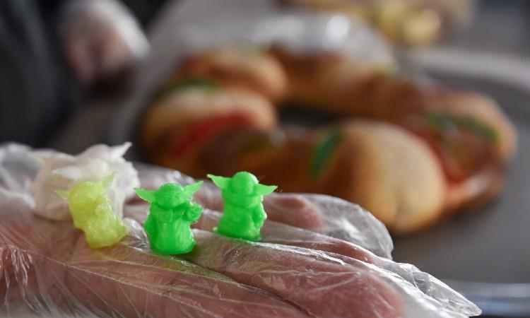 Baby Yoda: Rosca de reyes con este muñequito podrían ser tóxicas