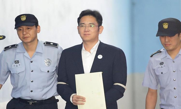 Samsung: condenan a 2 años y medio de cárcel a su vicepresidente