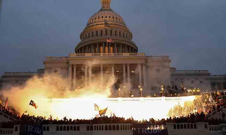 """Asalto al Capitolio: """"discutible"""" la posición de AMLO"""