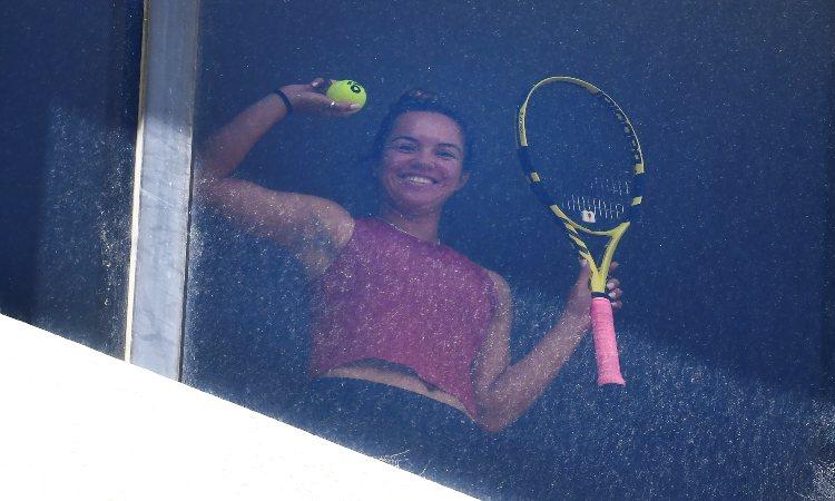 Tenistas entrenan en cuartos de hotel previo a Abierto de Australia