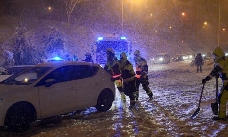Tormenta de nieve deja caos en España