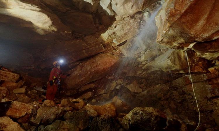 Descubren cascada debajo de iglesia en Yucatán