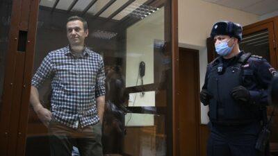 Encarcelan a opositor ruso Alexéi Navalni en prisión a 200 km de Moscú