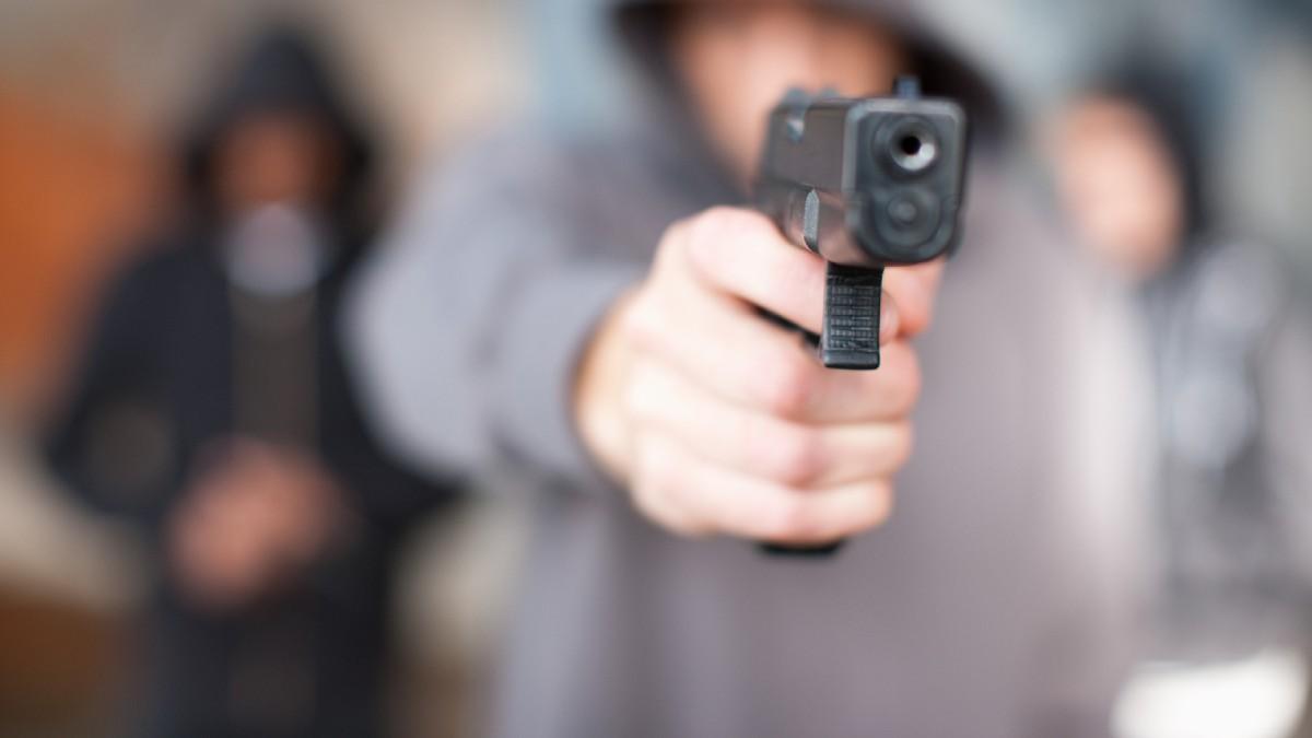 En Lomas de Chapultepec, víctima recibe a balazos a asaltantes