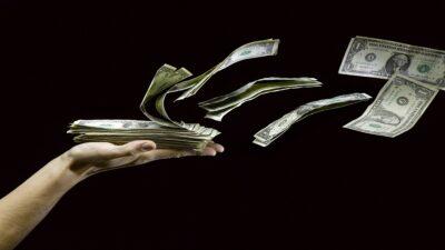 Banxico y Hacienda anuncian programa de bancarización de remesas de migrantes