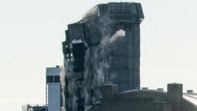 Trump Plaza en Atlantic City es demolido con 3 mil cartuchos de dinamita