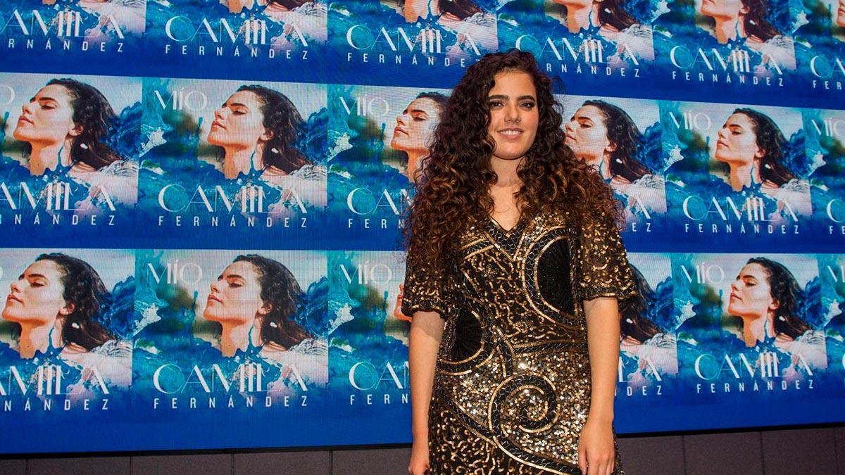 Camila Fernández lanza canción y muestra su embarazo