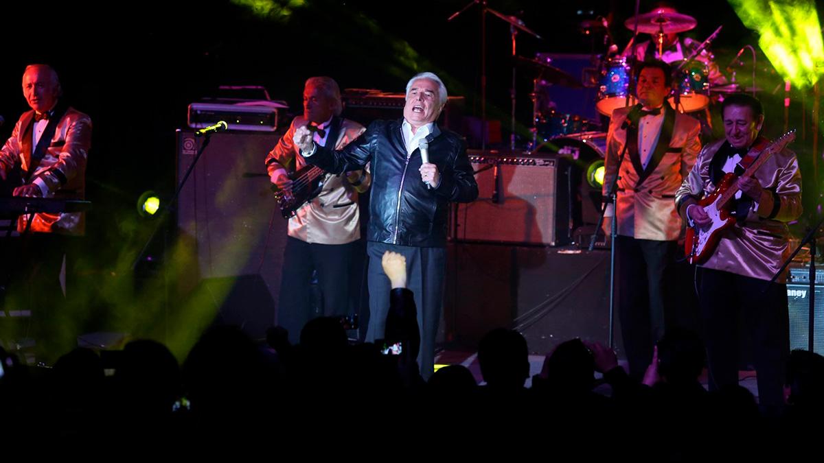 Enrique Guzmán festeja 78 años y estas son sus mejores canciones