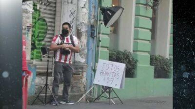 En Veracruz, fotógrafo ofrece retratos a 7 pesos para sobrevivir