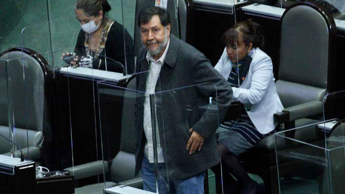Fernández Noroña llamó a la gente a tener valor y denunciar al alcalde de Chahuites. Foto: Cuartoscuro