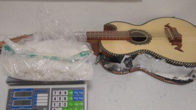 Guardia Nacional decomisa droga dentro de guitarra
