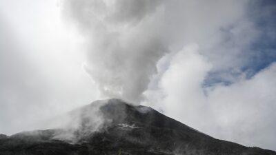 Guatemala: volcán Pacaya incrementa actividad; autoridades en alerta