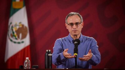Hugo López-Gatell explicó que trabajará desde casa, pendiente de la estrategia de vacunación.