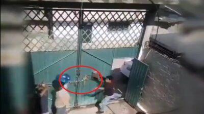 Ixtapaluca, Edomex: captan en video a joven que agrede a su mamá.