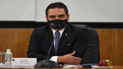 Silvano Aureoles, gobernador de Michoacán, sufre hemorragia nasal