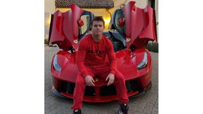 Canelo Álvarez presume en Instagram su nuevo Ferrari