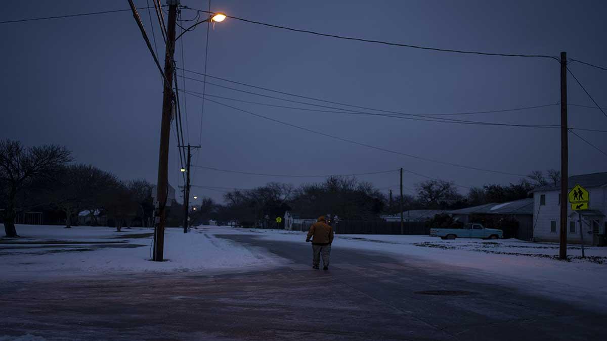 En Texas, ola de frío ha afectado a miles de hogares por cortes de energía