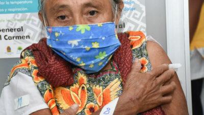 Adultos mayores de estos municipios comienzan a vacunarse contra COVID-19