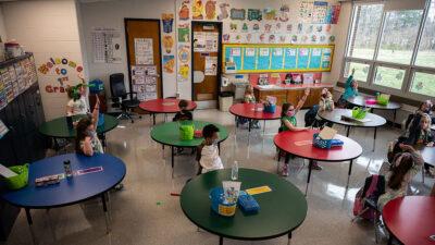 EU reduce a un metro la distancia entre alumnos en escuelas