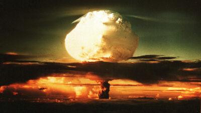 Reino Unido aumenta 45% su arsenal de armas nucleares