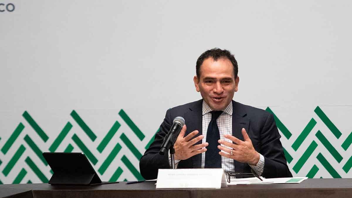 Arturo Herrera plantea reforma tributaria para mejorar economía mexicana