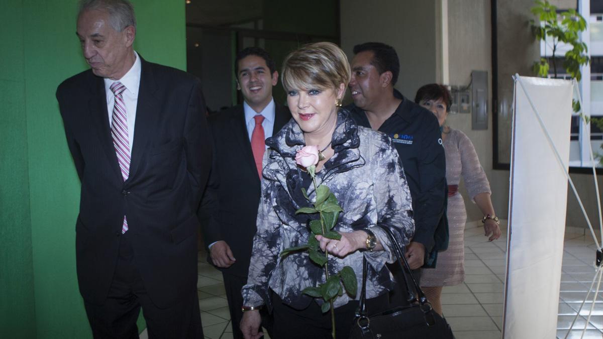Lolita Ayala revela que sufrió accidente en su casa; se fracturó el fémur