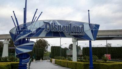 Disneyland, estadios y estos lugares podrían abrir en abril