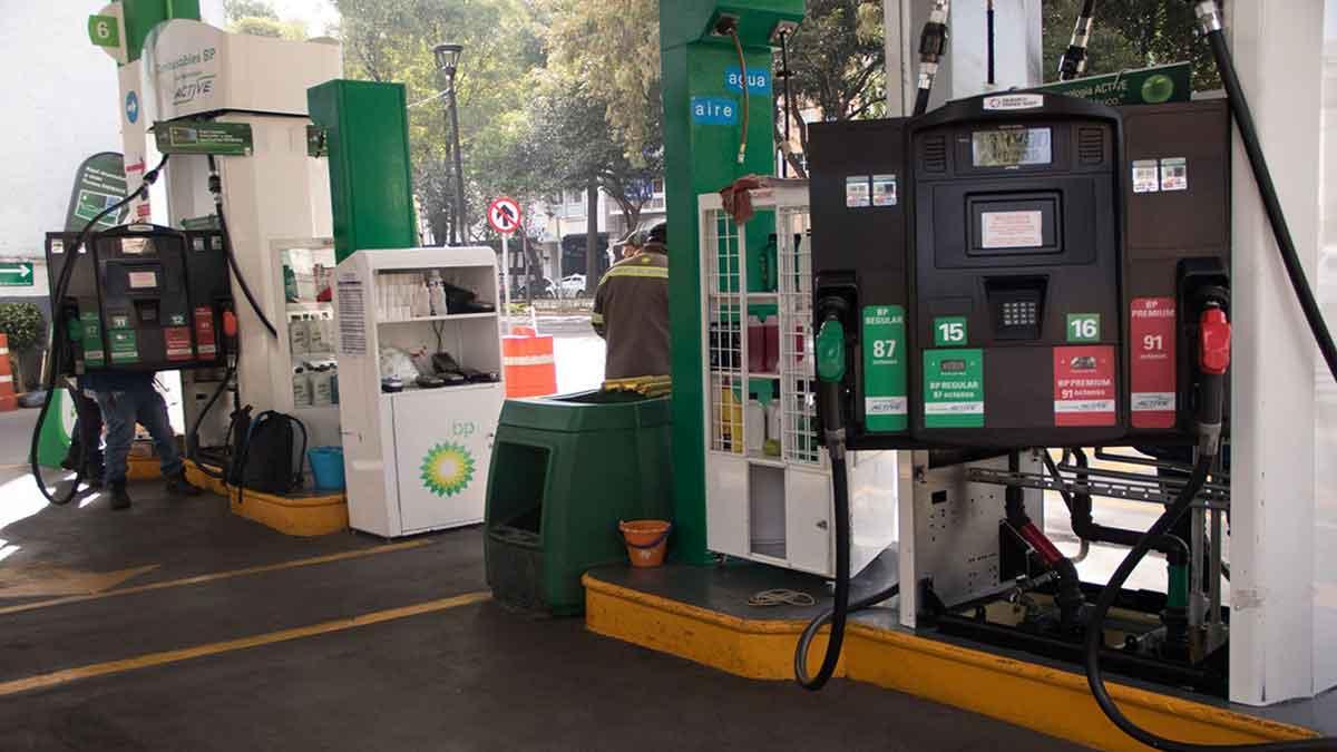 Gasolineras: AMLO presentará reforma para quitar concesiones a quienes no den litros de a litro