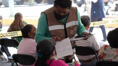 INE da 48 horas a Morena para que brigadas eviten mal uso de programas sociales