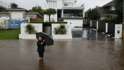 Australia vive sus peores inundaciones en 50 años; miles evacuan sus hogares