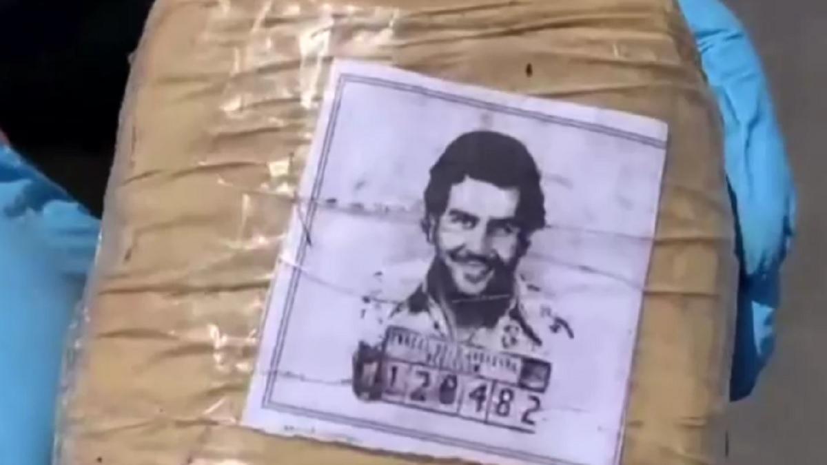 Chile: decomisan paquetes de droga con la imagen de Pablo Escobar