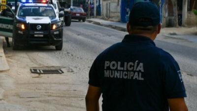 Policías agreden a una pareja por no usar cubrebocas en Oaxaca