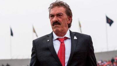 Dictan orden de prisión contra Ricardo La Volpe por acoso sexual