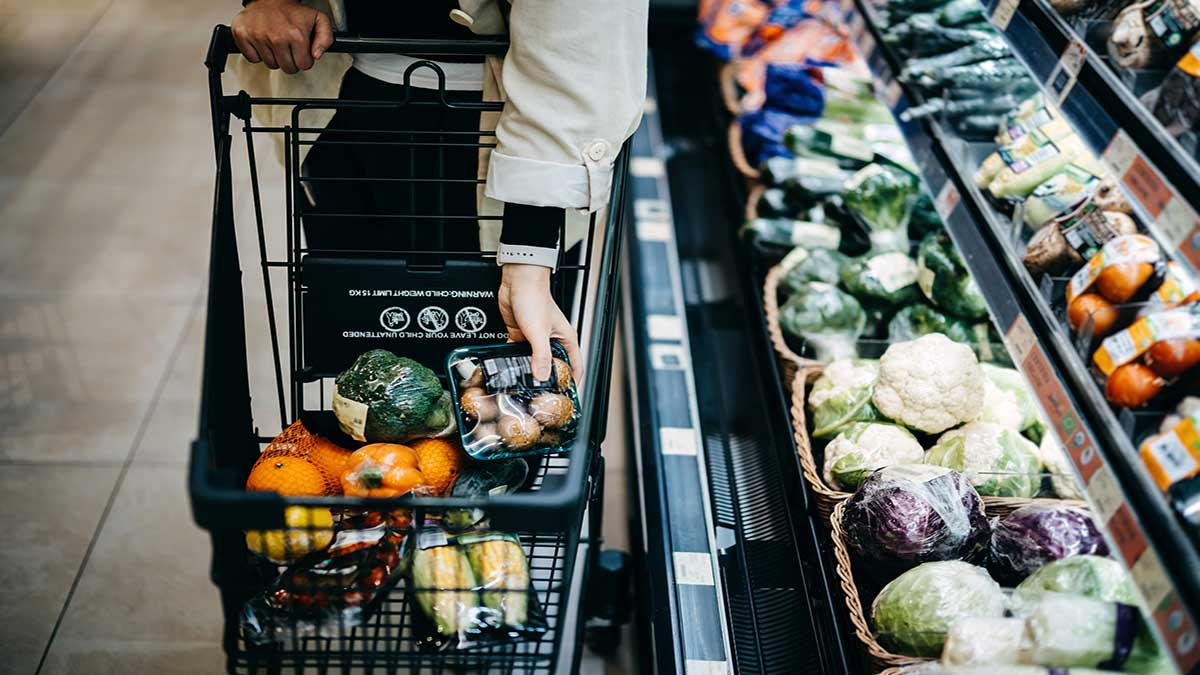 Profeco: supermercados y tiendas no pueden revisar productos al salir