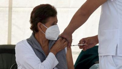 Salud pide a vacunados con AstraZeneca no preocuparse; ve por qué