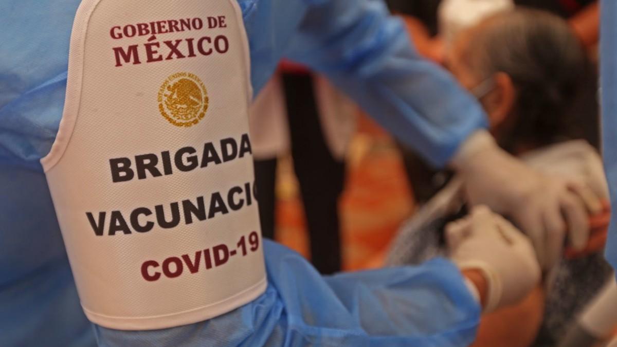 Veracruz inicia vacunación de adultos mayores; ve fechas y centros