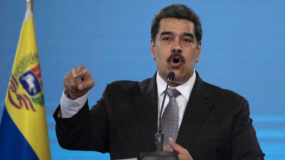 """Gobierno de Venezuela acusa a Facebook por """"totalitarismo digital"""""""