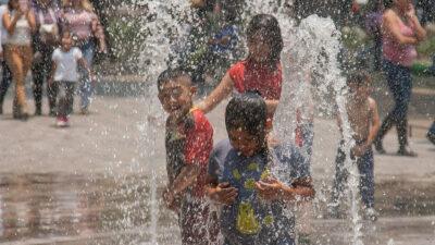 Sábado de Gloria: ¿De cuánto es la multa por desperdiciar agua?