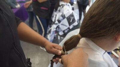 Brasil: mujer pierde la vida tras pintarse el cabello