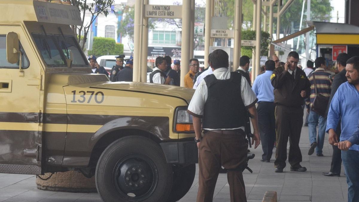CDMX: roban camioneta de valores con 11 mdp en la GAM